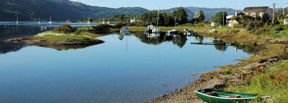 Lochcarron is an excellent base for all kinds of outdoor activities: boating, kayaking, cycling, hill walking, climbing, wildlife watching, etc.